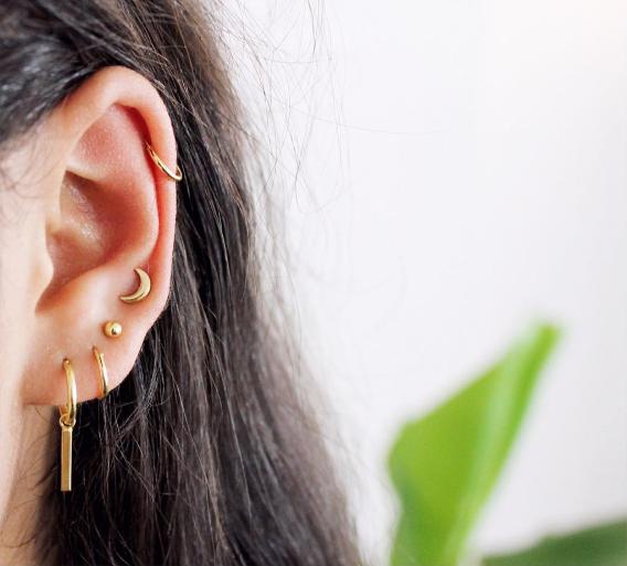 gouden oorbellen, maan, staafje, stud oorbellen