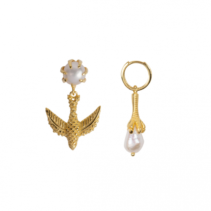 Bird And Claw Pearl Earring Gold Plated