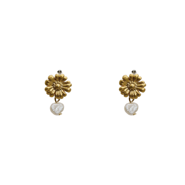 Daisy Freshwater Pearl Pin Earrings